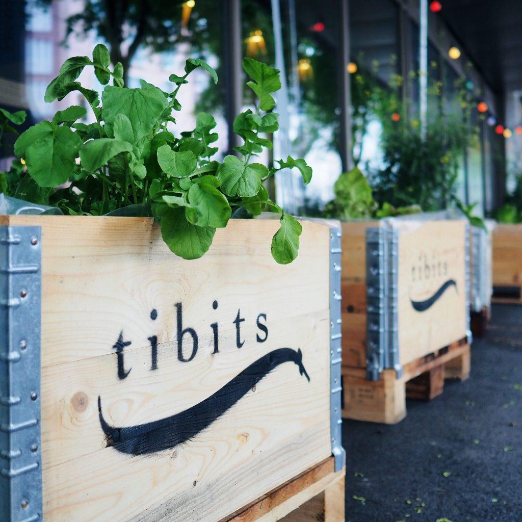 vegetarisches restaurant tibits in z rich oerlikon. Black Bedroom Furniture Sets. Home Design Ideas
